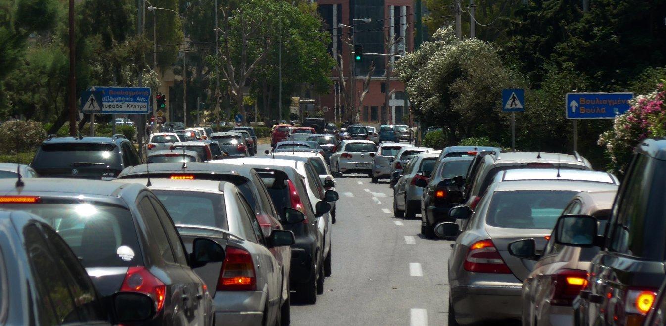 Άδειες οδήγησης και μεταβιβάσεις με ένα κλικ - Οι 13 διαδικασίες που απλοποιούνται