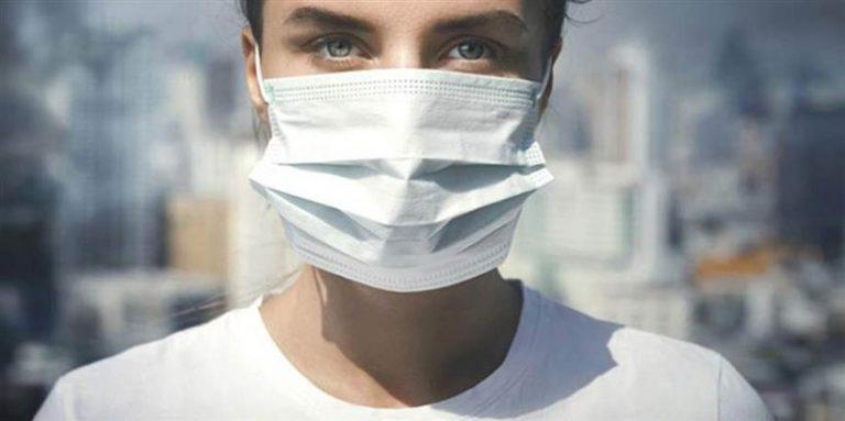 Κορονοϊός: Εξετάζεται η υποχρεωτική χρήση μάσκας σε κλειστούς χώρους