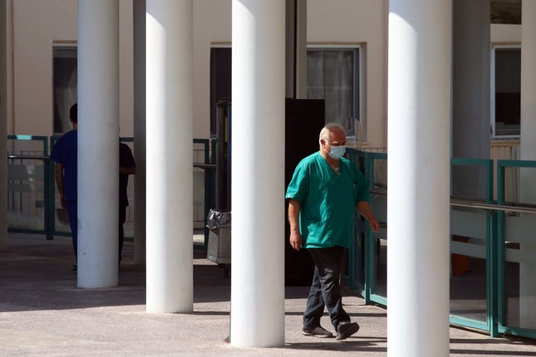 Κορονοϊός θύματα Ελλάδα: Στους 243 οι νεκροί – Κατέληξε 69χρονος στο ΑΧΕΠΑ