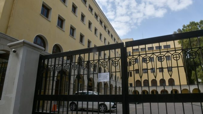 Μονή Πετράκη: Ιερέας έριξε βιτριόλι σε 7 Μητροπολίτες – Με εγκαύματα στα μάτια οι 2